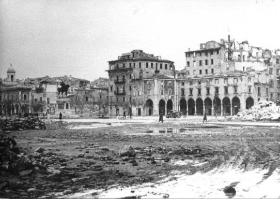 piazza grande 3