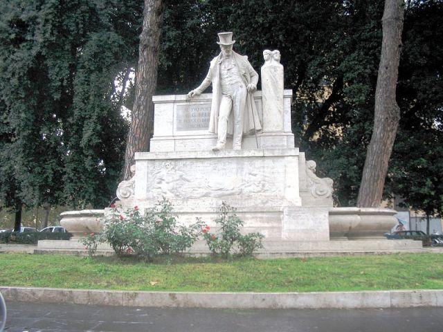 800px-Roma_-_Statua_Belli02