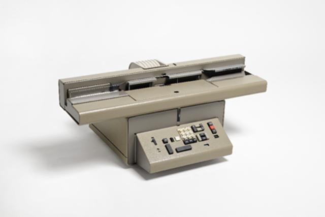 CMC7- 7004, macchina marcatrice caratteri magnetici, Mario Bellini, Ing. C. Olivetti & C. S.p.A.