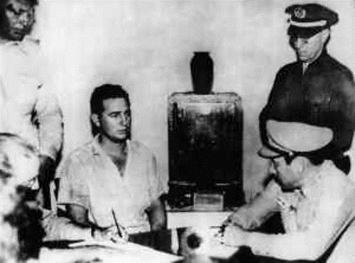 Fidel_Castro_under_arrest_after_the_Moncada_attack