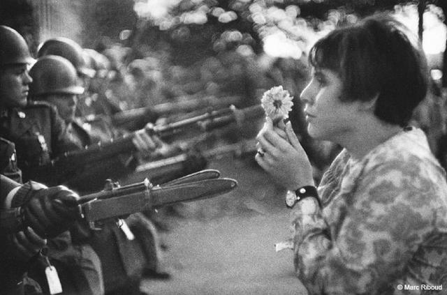 mar riboud la Jeune fille à la fleur
