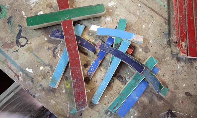 Da-Lampedusa-a-Milano-croci-in-ricordo-delle-vittime-1000x600