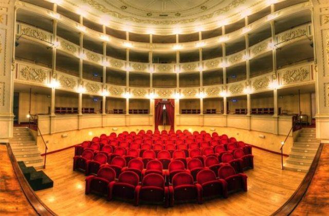teatro traetta bitonto.jpg